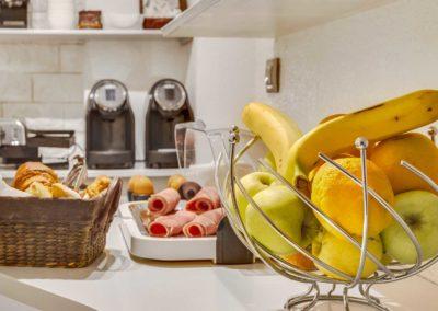hotel-carladez-cambronne-galerie-buffet-pdj