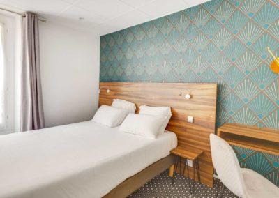 hotel-carladez-cambronne-galerie-standard-douche-lit-2