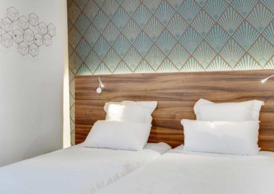 hotel-carladez-cambronne-galerie-standard-douche-lit-3