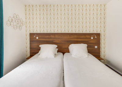 hotel-carladez-cambronne-galerie-twin-bain-lits-2