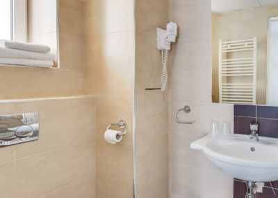 hotel-carladez-cambronne-galerie-twin-bain-salle-de-bain